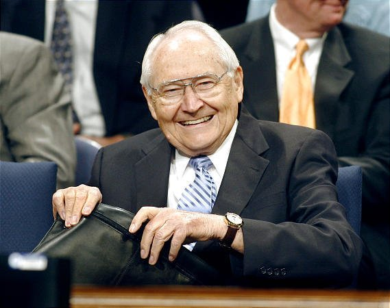 Mormon Apostle Elder L. Tom Perry Dies at 92