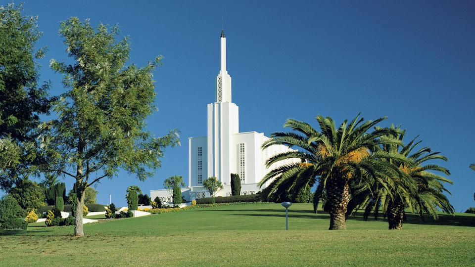 Hamilton New Zealand Mormon Temple to Close for Renovations